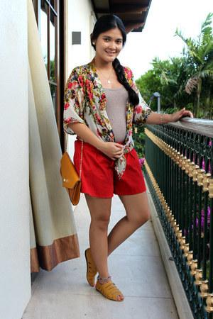 tan tank top top - red garter shorts Tomato shorts - mustard flats