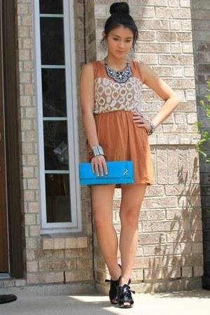 turquoise blue satin clutch purse - black peep toe shoes - tawny cotton dress