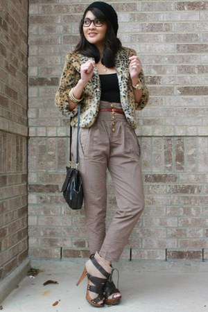 light brown peg leg pants - camel faux fur shrug Shasa coat