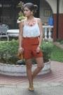 Mustard-chain-purse-purse-burnt-orange-high-waist-tomato-shorts