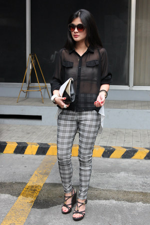 black cotton on blouse - gray tartan plaid leggings