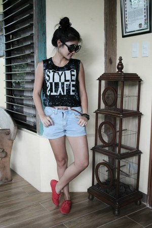 light blue denim shorts - ruby red 5 7 9 shoes - black cropped top