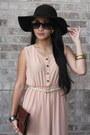 Brown-leather-bag-beige-vintage-dress-dark-brown-velvet-hat