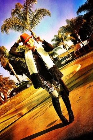 missguidedcomuk leggings - f21 boots - Target hat - volcom shirt