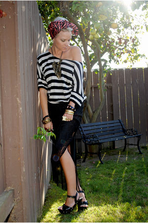 black thrifted skirt - black New Yorker shirt - black Charlotte Russe shoes - pi