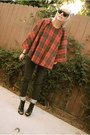Black-volcom-jeans-brick-red-thrifted-cape-black-nyla-heels