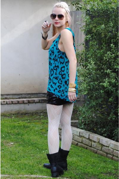 black Forever 21 skirt - white Target tights - blue silence and noise blouse - b