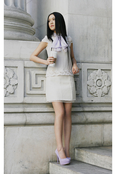 light purple suede Aldo heels - white Zara top - white Zara skirt