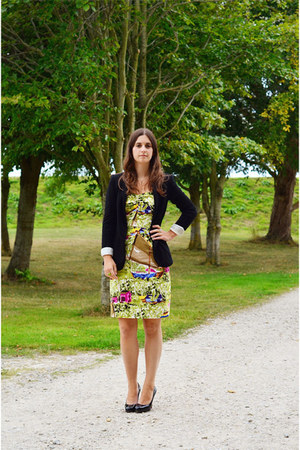 lime green Jigsaw dress - black Zara blazer - black Christian Louboutin heels