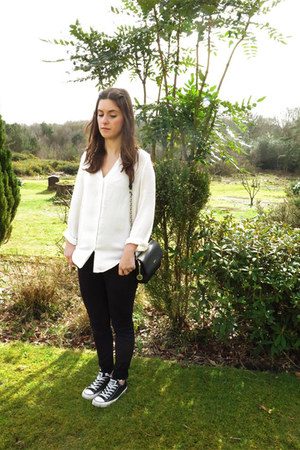 black Gap jeans - off white H&M shirt - black DKNY bag - black Converse sneakers