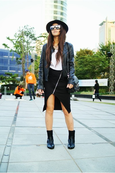 black chelsea Zara boots - black leather Zara jacket
