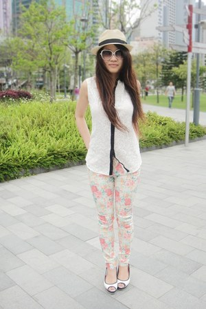 white lace Zara top - peach floral zar pants
