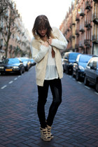 beige knitted H&M cardigan - black Zara leggings - tan Zara pumps