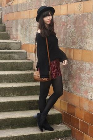 shorts - black huge jumper