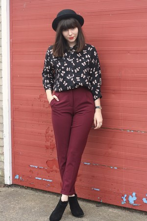 crimson pants - bow print shirt