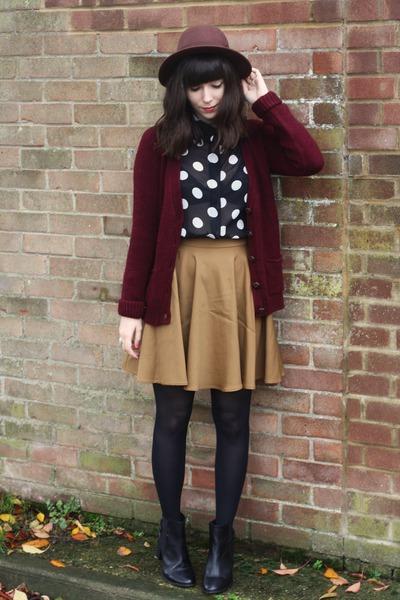 crimson cardigan - black chelsea boots - mustard skirt