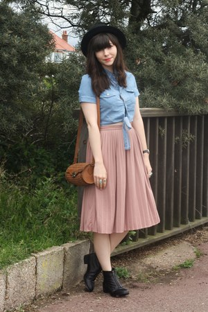 denim shirt - light pink pleated midi skirt