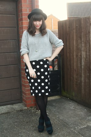 black polka dot skirt - heather gray sweater - green heels