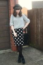 black polka dot skirt - heather gray sweater - green heels