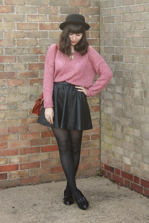 pink H&M sweater - black faux leather skirt - black patent loafers