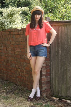 coral blouse - denim shorts