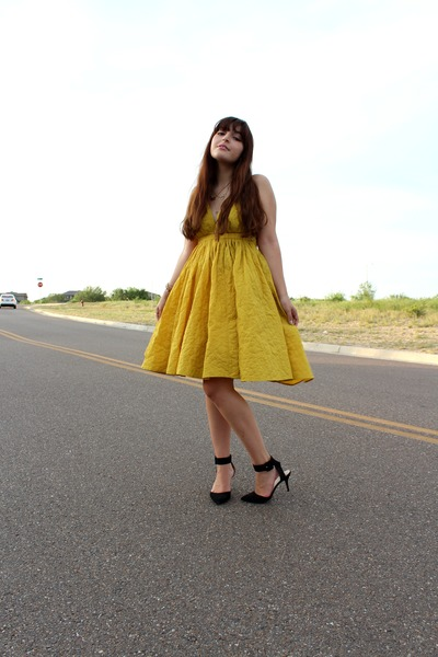 mustard sundress vintage dress - black ankle strap Zara heels