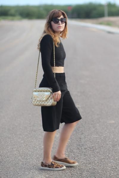 black culotte Forever 21 pants - gold vintage Chanel bag