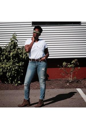 asos shoes - Gap jeans - Ray Ban sunglasses - white Romwecom t-shirt