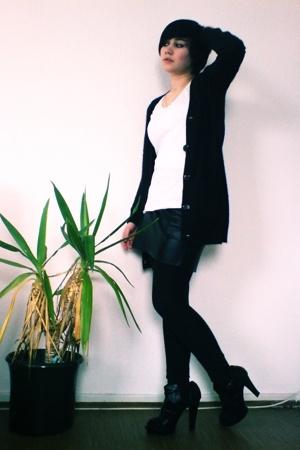 Topshop vest - H&M shirt - aa skirt - Zara shoes
