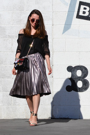 black Topshop purse - silver Paniz skirt - black thrifted apostrophe top