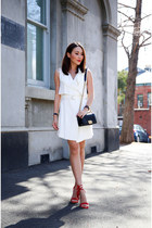 cream Forever New vest - red Jo Mercer heels