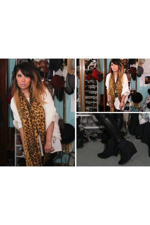 gold scarf - beige cardigan - white t-shirt - black leggings - black boots