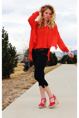 carrot orange Jennifer Lopez blouse - hot pink American Eagle wedges