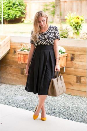 black midi Front Row Shop skirt - cream floral print River Island shirt