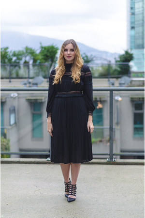 black midi Chicwish dress