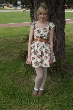 ivory cotton thrifted vintage dress - eggshell Equip tights