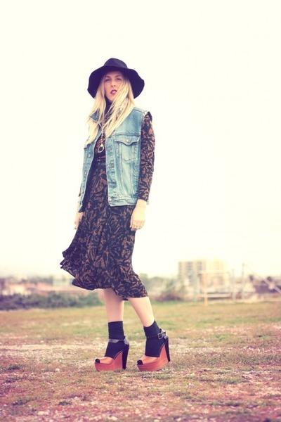 tawny thrifted dress - black Target hat - blue thrifted vest