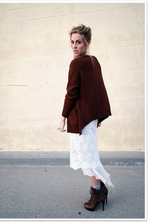 dark brown Jessica Simpson boots - off white thrifted vintage skirt - white thri