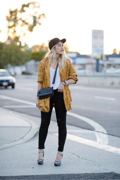 gold vintage blazer - black hudson jeans jeans - silver Crossroads Find sandals