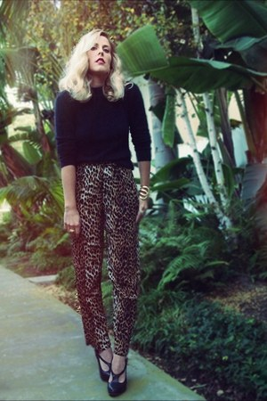 brown vintage pants - black vintage sweater - black Modern Vintage heels
