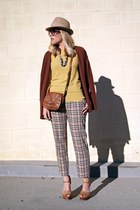camel vintage pants - mustard Crossroads Find sweater