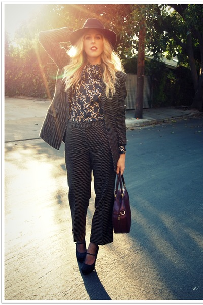 black Urban Outfitters hat - black Forever 21 heels - black banana republic blou