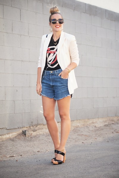 Lovers & Friends blazer - Karen Walker sunglasses - Nine West sandals
