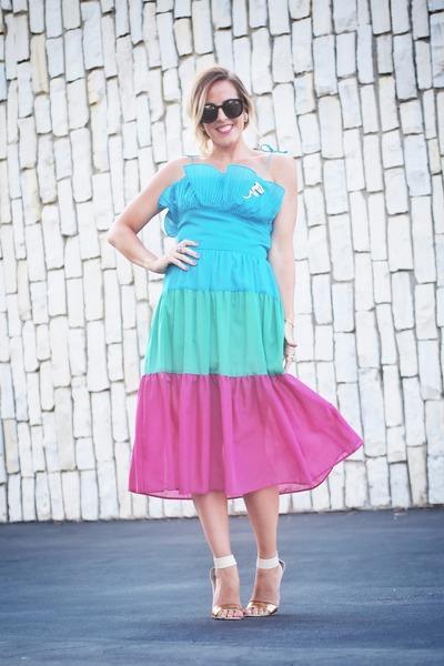 thrifted from Crossroads dress - Karen Walker sunglasses - just fab sandals