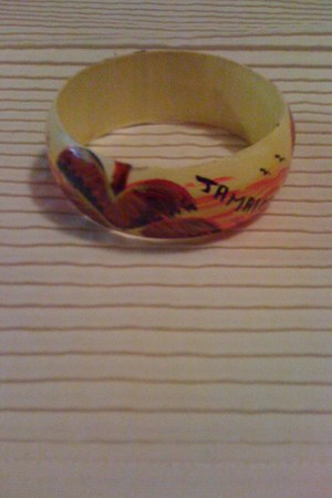 yellow unknown brand bracelet