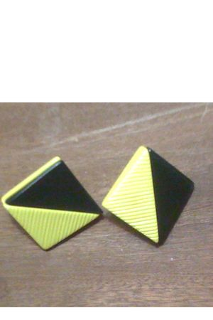 yellow unknown brand earrings