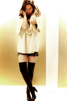 black es-iq boots - beige Express sweater - gold Forever 21 bracelet - blue Fore