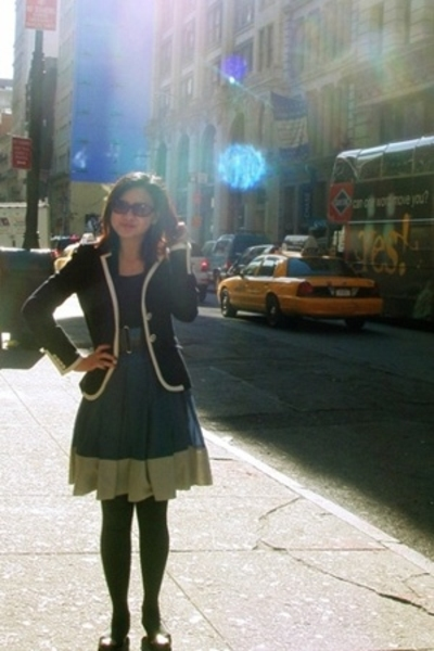 JCrew jacket - Fendi sunglasses - Club Monaco skirt - H&M tights - BCBG shoes -