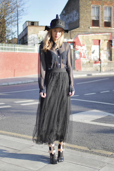 vivienne westwood boots - Byeon Ji hat - chiffon THE WHITEPEPPER skirt