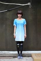 Light-blue-tie-dye-the-whitepepper-t-shirt